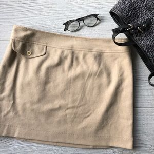 Banana Republic camel skirt pocket size 10 wool